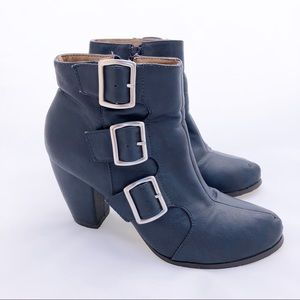Michael Antonio Mandrake Booties Navy Size 8